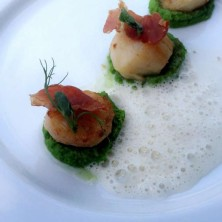 Scallops, pea puree, toasted prosciutto, cumin foam