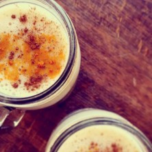 Banana and tumeric smoothies